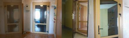 Установка металлопластиковой двери на входе в квартиру