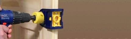 Замена дверного замка с дополнительными работам по двери