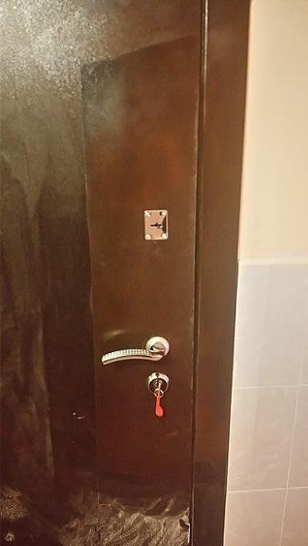 Ремонт металлической двери с покраской под цвет