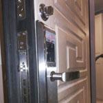 Установка врезного электронного замка Selock Hotel на замену механическому Guardian
